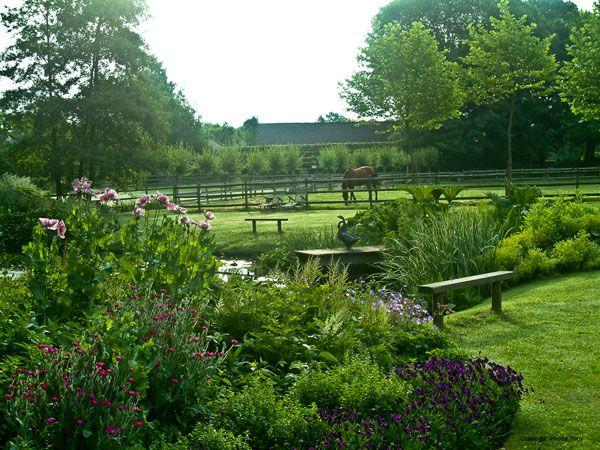 Belgisch limburg Stokrooie (gem Hasselt)- De Romantische Tuin van Dina Deferme Beuzestraat 64  Open iedere zondag in juni, juli en augustus van 10.00 - 18.00 uur