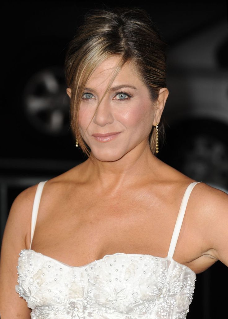 WHAT TO DO WHEN YOUR FACE IS LIGHTER THAN YOUR BODY Got a white head atop a brown body? It happens to the best of us. (Even Jennifer Aniston.)
