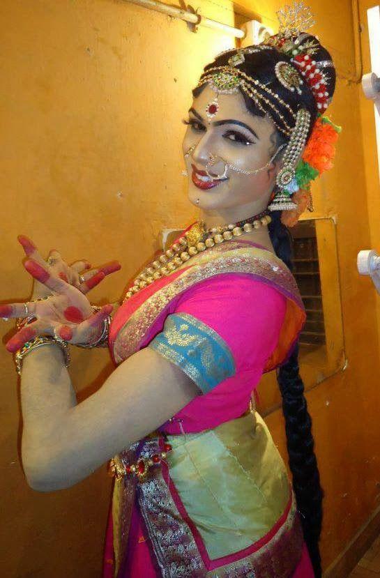 I Dream of Dressing Like Her :: Indian Crossdresser , Desi Crossdresser
