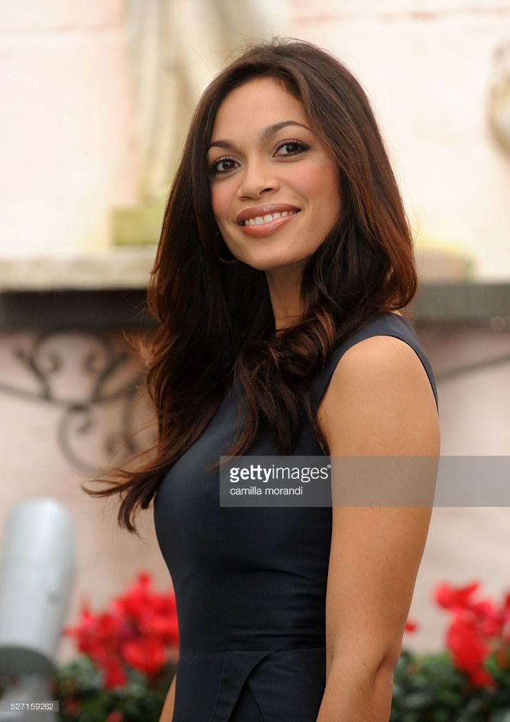 Actress Rosario Dawson attends the photocall of 'Seven Pounds' in Rome.
