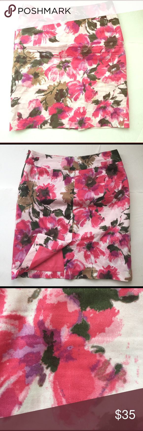 Floral Explosion, {Evan-Picone} Stretch Skirt Spring has arrived in this beautiful floral print with beautiful pink, fuschia, purple and greens. Side zip, with back slit. Material Content: 98%. cotton, 2%spandex. #roseprintskirt, #size4roseprintskirt, #evanpiconeskirt Evan Picone Skirts Midi