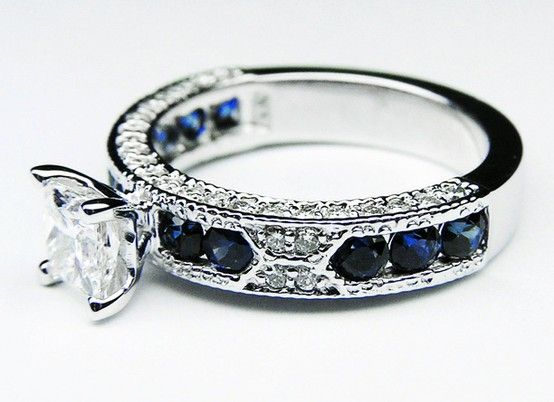 Vintage Engagement Ring--Just pinning this here so I can look at it later. Holy Cow--I LOVE THAT RING!