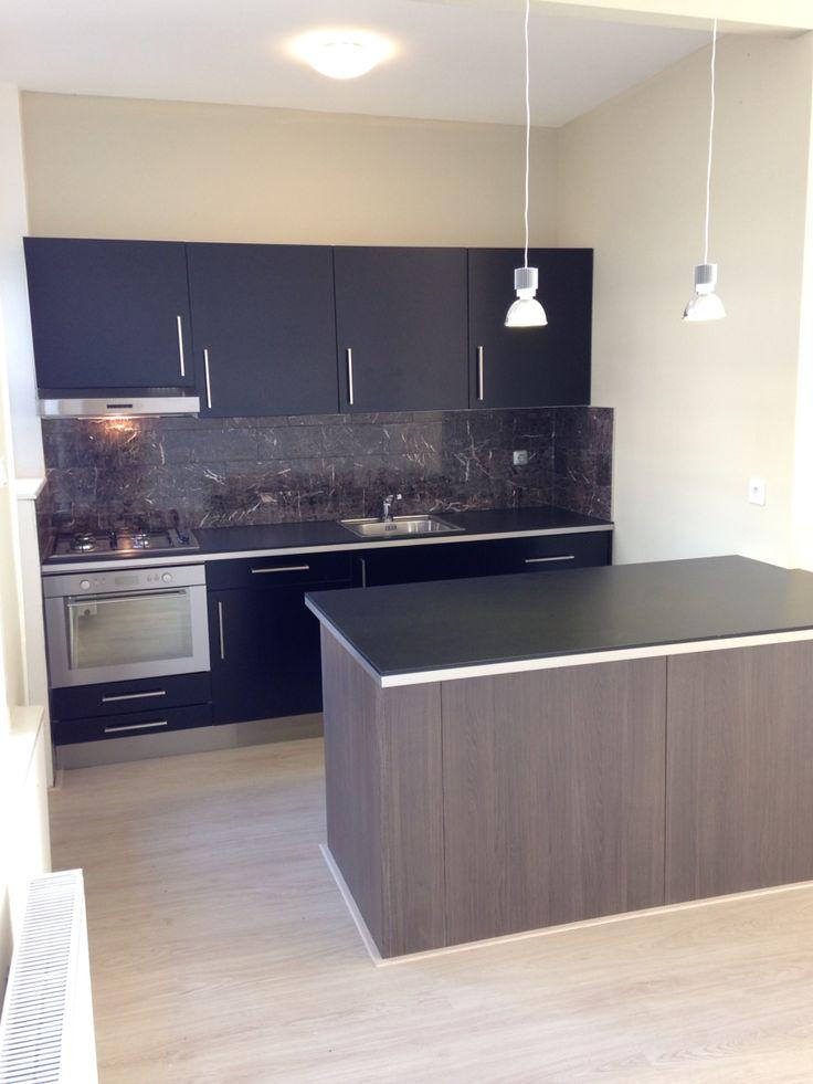 Smokey coloured Kitchen in appartement