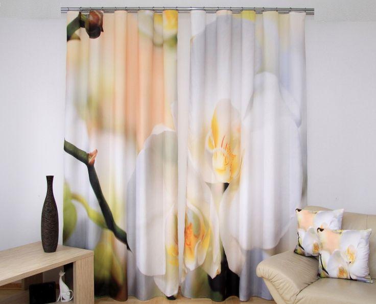 Béžovo biele závesy na okná s 3D kvetovým motívom
