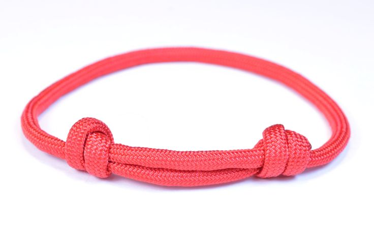 Make the Sliding Knot Friendship Paracord Bracelet - Bored Paracord-- or for crochet bracelet closures....