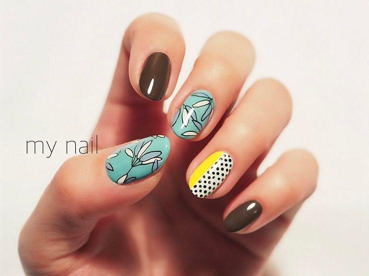 いいね!1,985件、コメント8件 ― SAORI NAKAGAWAさん(@flickanail)のInstagramアカウント: 「my nail 色の組み合わせがかわいいMARNIのテキスタイルから🙂」