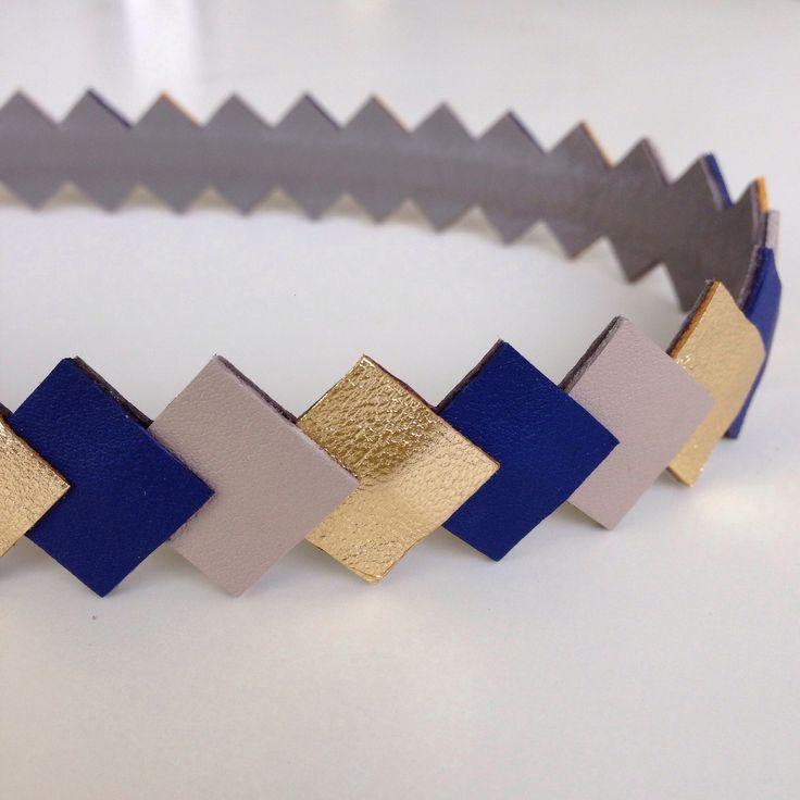 """Head-band en cuir """"graphique"""" coloris Or-Muscade-bleu foncé monté sur élastique accessoire cheveux pour femme : Accessoires coiffure par lucky-rosetta"""