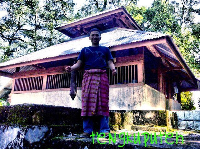 THE INTERPRETER   Tengkuputeh