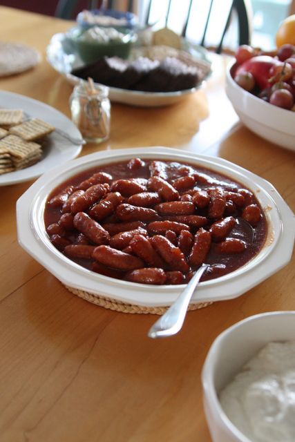 Cocktail Weiners: chili sauce, red currant jelly, brown sugar, Little Smokies Sausages