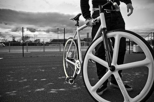 I want a light, carbon front rim like this eventually.