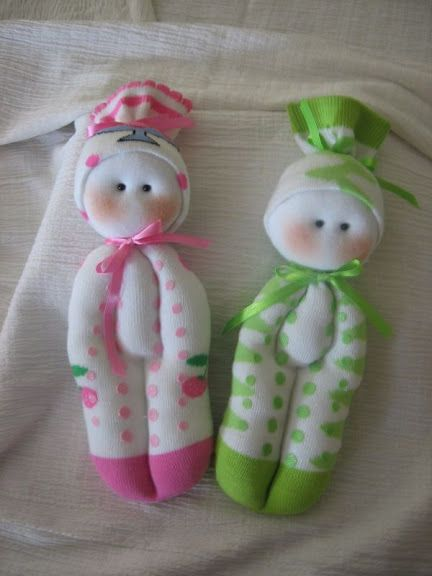 Dolls from socks...How cute they are:).....<3