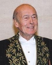 Valéry Giscard d'Estaing (fauteuil 16) élu en 2003
