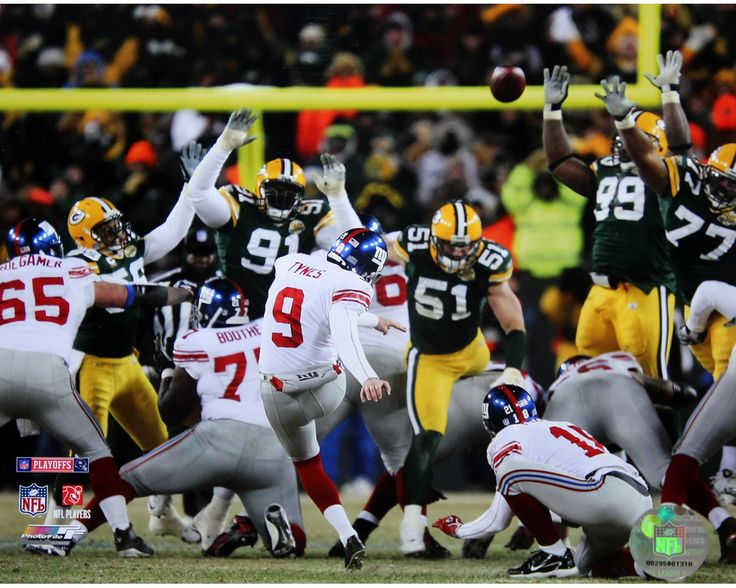 Lawrence Tynes Kick vs Green Bay 8x10 Photo