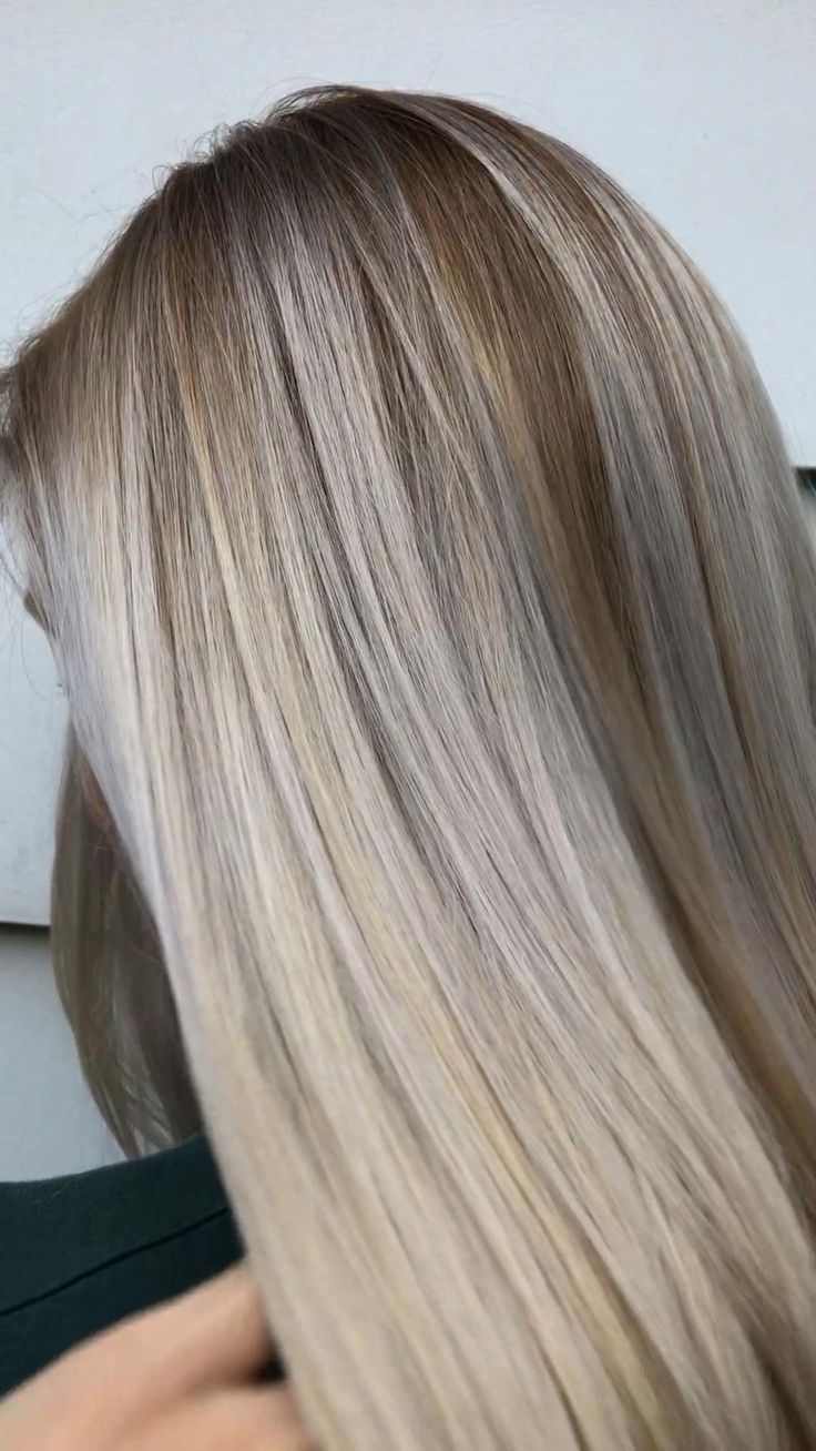 Platinum ash blonde balayage using pravana olaplex Schwarzkopf from Cosmoprof beauty licensed to create cosmopro Michigan hair color Michigan balayage independent artist from Birmingham MI small business owner free hair education hair video babylights teasylights best balayage blonde perfection #balayagehairblonde