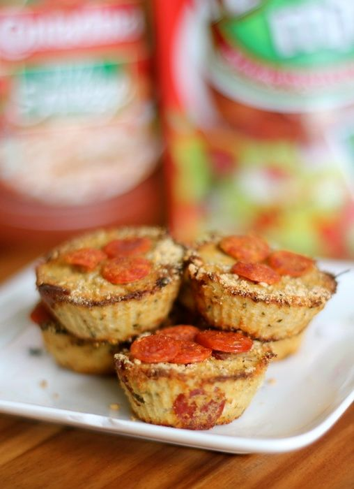 Mini Cauliflower Pizza Bites... A great way to get your pizza and veggies too! Only 21 calories each!