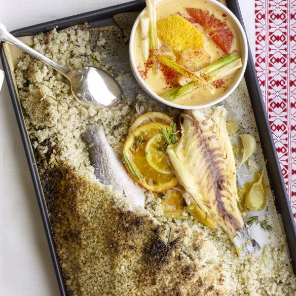 Lamsbout in zoutkorst met champignons olijven en tomaten