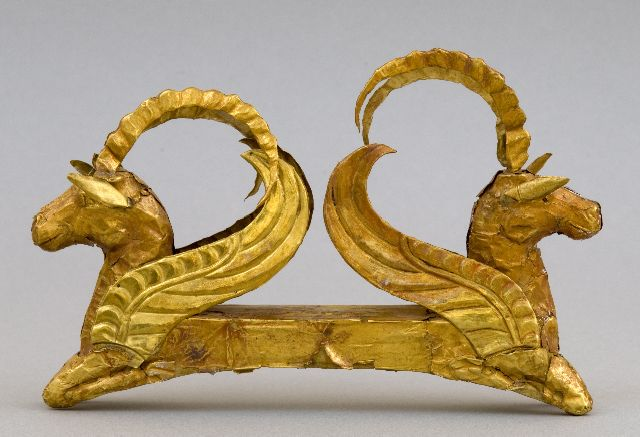 Pair of Winged Horses, Kazakhstan, 5th – 4th century BC, stamped gold, 4 x 6 7/8″, Collection, Museum of Gold and Precious Metals, Astana, Kazakhstan