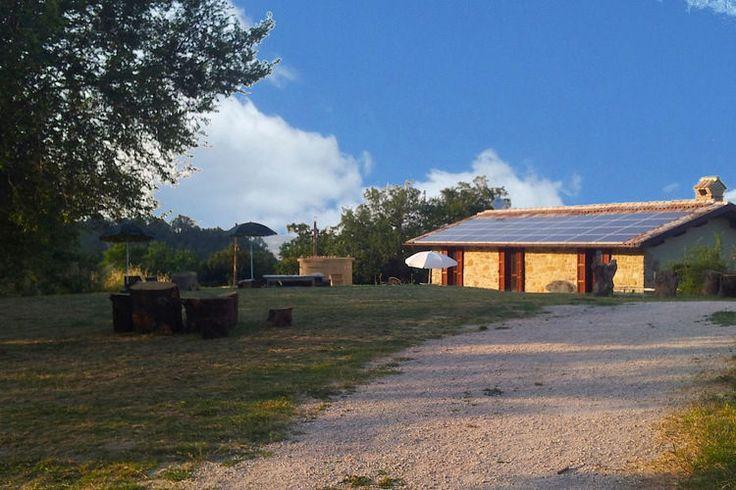 Vlakbij het stadje Pergola (De Marken) staat deze leuke vakantiewoning te huur.