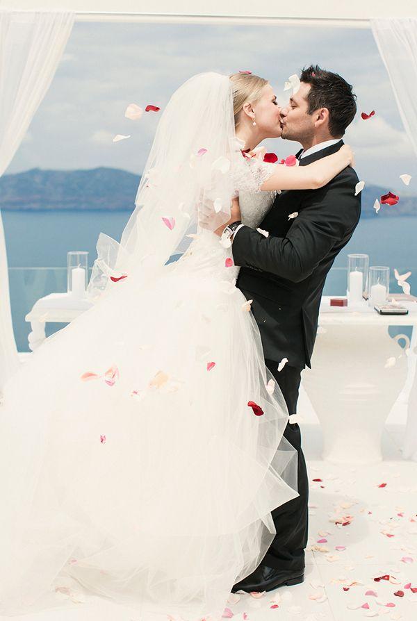 http://www.love4wed.com/pink-peonies-fairytale-wedding/