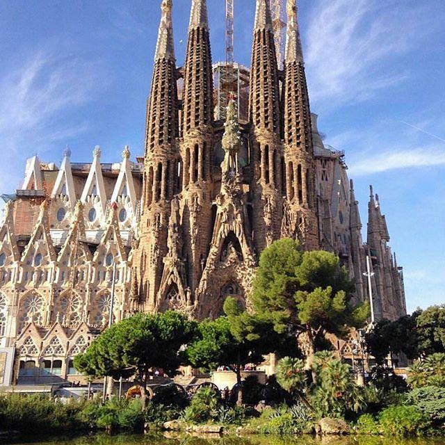 Gaudí's Masterpiece❤❇ #livelovespain (📷:@sennarelax)