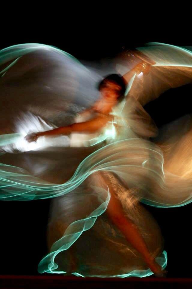 Vicky Butterfly in Kabarett der Namenlosen. Image by David Jenkins.