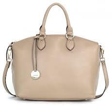 mooie tassen, deze wil je gewoon voelen en strelen. Kleur is wat vlak.