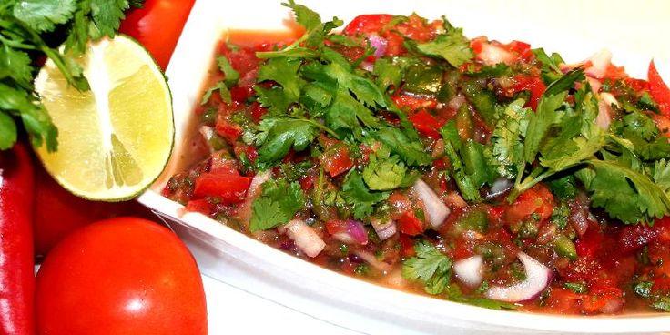 Chili-salsa - Denne svært anvendelige salsaen kan du bruke til taco/tortilla-retter, oksekjøtt, kylling og hvit fisk og som dip til snacks.