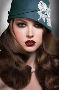 Retro Femme Fatale retro cosmetics makeup beauty shimmer Fashion style hairstyles pinte http://whosin.com/fashion