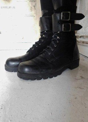 Kaufe meinen Artikel bei #Kleiderkreisel http://www.kleiderkreisel.de/damenschuhe/schnurstiefel/138325653-schwarze-vintage-leder-boots-40     #boots #leder #leather #echtleder #black #schwarz #buckle #buckled #combatboot #combatboots #ranger #rangers #material_mix #materialmix #schnalle #schnallen #verschluss #schnürer #vintage #truevintage #original #berlin #ankleboots #military #militär #armee #piloten #stiefel #combat #biker #bikerboots #bikerstiefel #army #strap