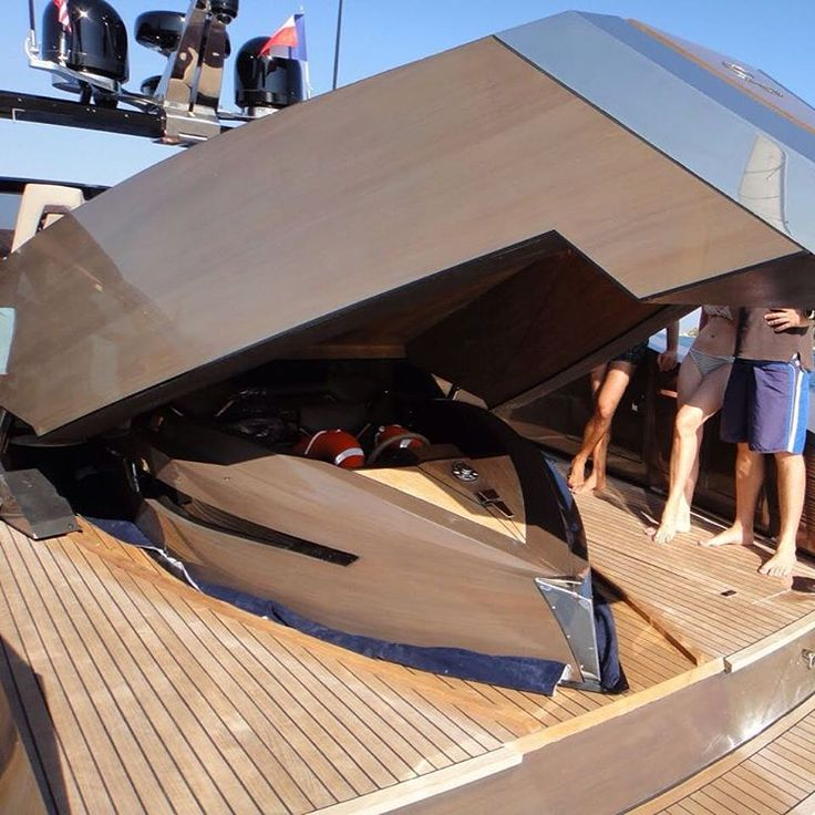 ... meanwhile somewhere in the Cote d'Azur.  Hedonist Open yacht and Tender to Hedonist Open by Art of Kinetik.  #LesVoilesdeSaintTropez  #OOReethiRah  #OOResorts  #GraffDiamonds #PebbleBeach  #HarryWinston  #AmanResorts #Sothebys  #Hedonist  #Yacht  #ArtofKinetik  #ChristiesInc  #ConcoursDElegance