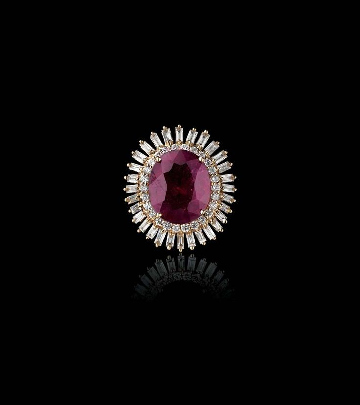 Ruby ring by @farahkhanf for @tanishq with #diamonds set in yellow #gold #indianjewelry #ruby #tanishq #farahkhan