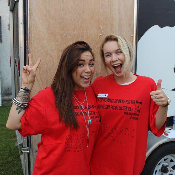 Défi Vision - Valérie Carpentier et Beth Cossette guident des personnes non voyantes en voiture | HollywoodPQ.com