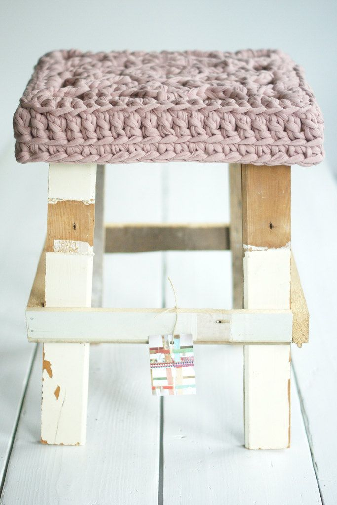 Wool! FRYD + DESIGN: Wood, Stools Covers, Yarns, Wool Stools, Seats Covers, Crochet Stools, Crochet Tops, Chairs Covers, Crochet Knits