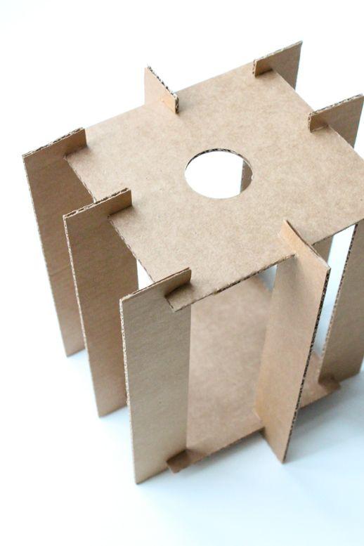 Как сделать из коробки светильник фото