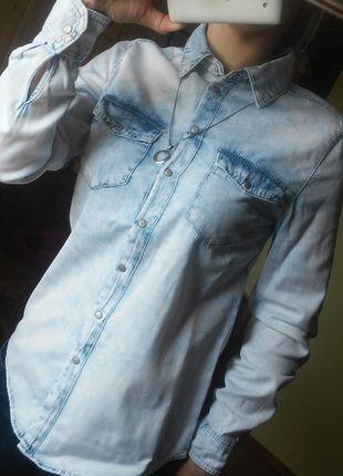 Kup mój przedmiot na #vintedpl http://www.vinted.pl/damska-odziez/koszule/13615262-cieniowana-marmurkowa-koszula-jeansowa-denim-co-rozm-34