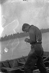 Thomson fishing in Algonquin Park Thomson's art bears some stylistic resemblance to the work of European post-impressionists such as Vincent van Gogh and Paul Cézanne, whose work he may have known from books or visits to art galleries. Other key influences were the Art Nouveau and Arts and Crafts movements of the late nineteenth and early twentieth centuries, styles with which he would have been familiar from his work in the graphic arts.