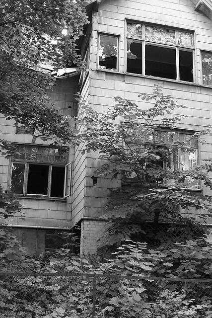 La casa dei fantasmi @ Stabekk  by Masinutoscana, via Flickr