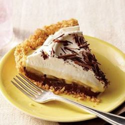 A cloud of whipped cream layered over a rich rum custard, bananas and chocolate. This is the pie they serve in heaven.: Desserts, Banana Cream Pies, Chocolate, Black Bottom Banana, Banana Pie, Dessert Recipes, Food, Bananas