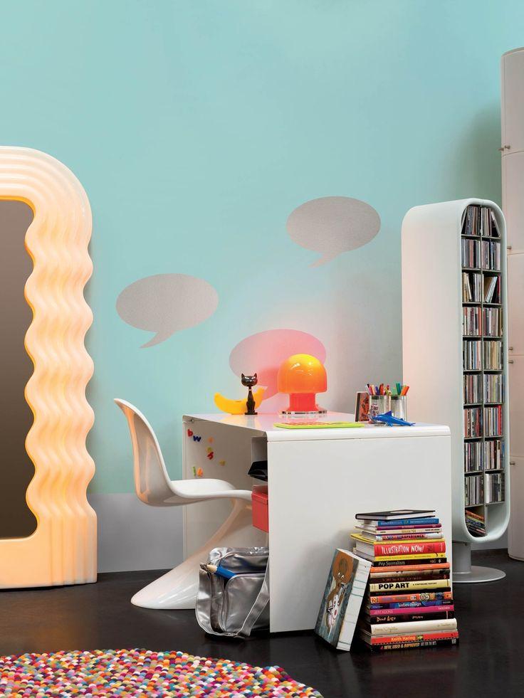 Flexa collectie: 18 kleuren in één kleurenpalet vol energie. In deze Pop Art werkkamer werden de volgende kleuren gebruikt: Techno, Volt en Flits.