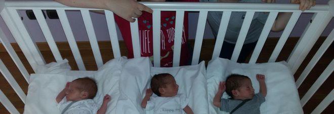 """Super mamma mette al mondo tre gemelli: """"E' una grande gioia"""""""