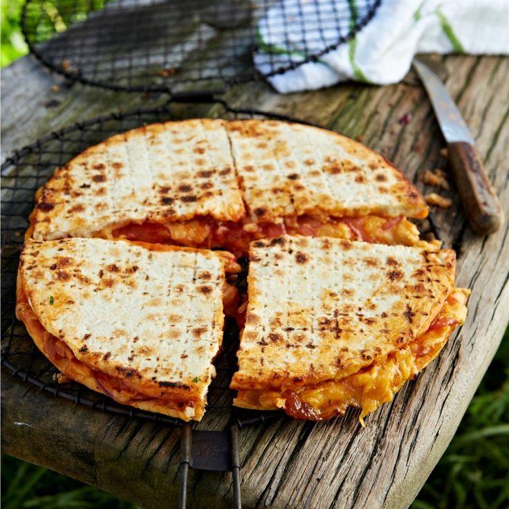 'n Pizza wat jy braai op die vuur soos 'n braaibroodjie? Ja, asseblief.