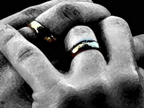 """Somos Casados Para Sempre - REFLEXÃO -face 06052012 - """"Duas mãos não se encontram por acaso""""...."""