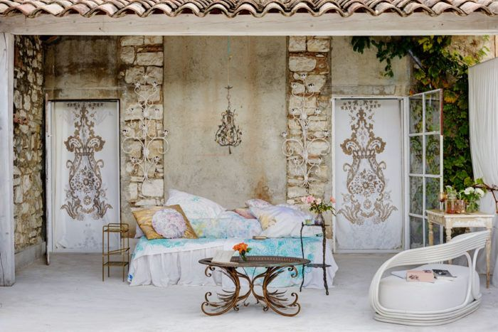 An amazing and colourful home in France! | ELLE Decoration