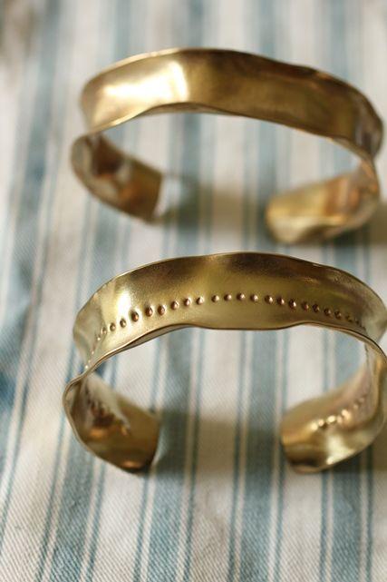 Brass Frill Bangle - IRRE