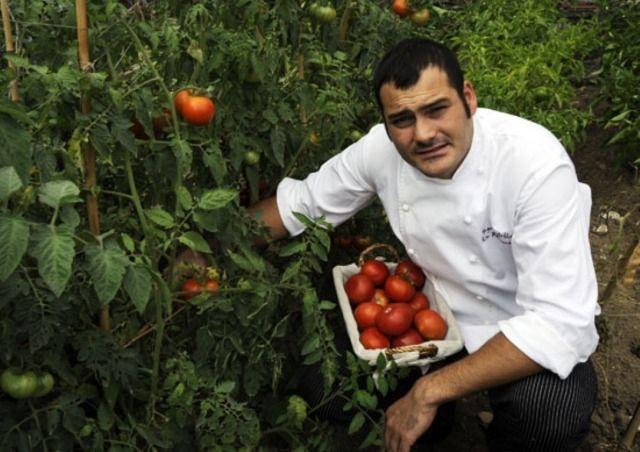 Pellegrini del gusto a Santiago - Nella capitale gallega si fa strada la cucina creativa. Tre indirizzi e una promessa, Iago Castrillón