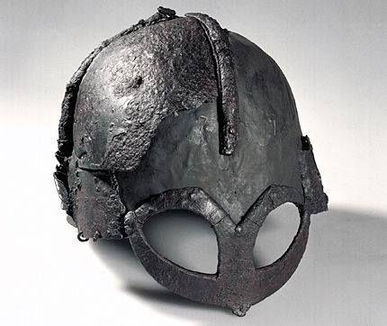 Přilba z Gjermundbu, 2. polovina 10. stol. (vyrobena v 9. století), Norsko