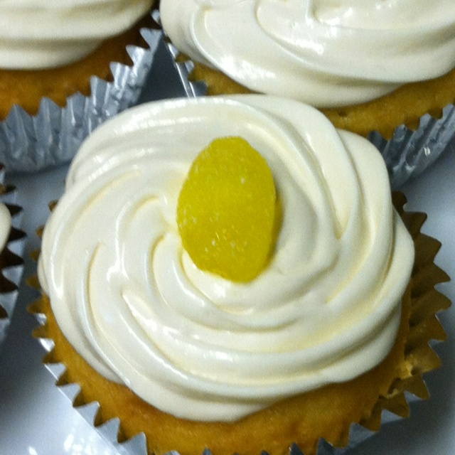 ... filling, marshmallow/vanilla cream frosting, and a lemon drop on top