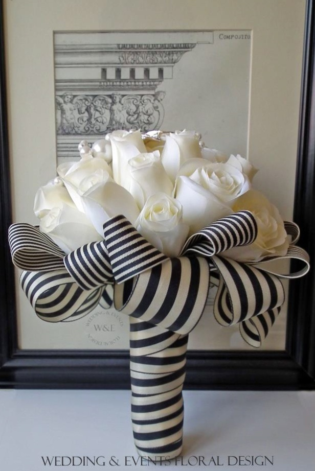 love love love the idea! Don't like the color and stripes for a wedding