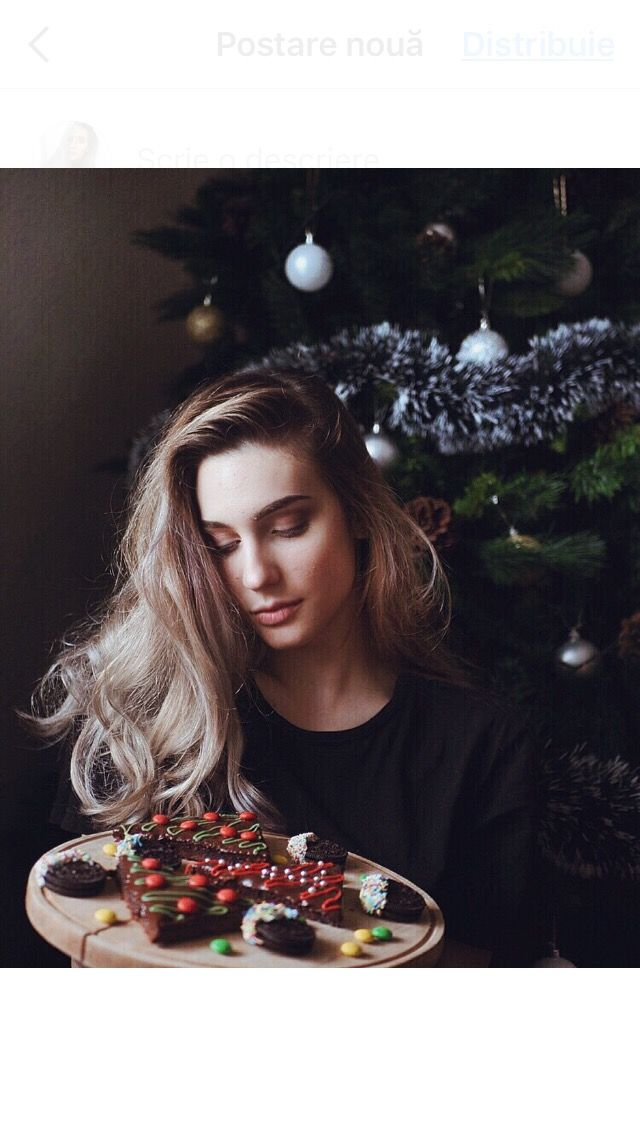 Coffee curly blonde hair grey silver reflex shampoo christmas tree holidays white fur arhitecture cap mug nude nails long hair christmas decorations  brownie sweets food m and m oreo
