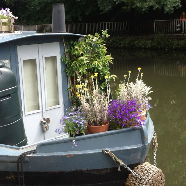 Boat On The Canal. Take Your Garden With You. Wouldnu0027t It Be. Houseboat  LivingHouseboat IdeasNarrowboat InteriorsNarrow ... Part 85